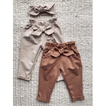 Basic pants with a bow