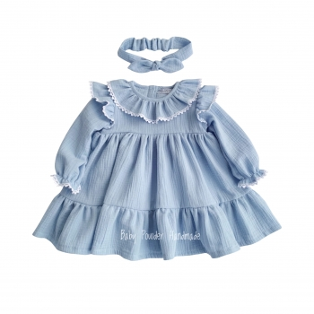Muslin dress with a collar and lace