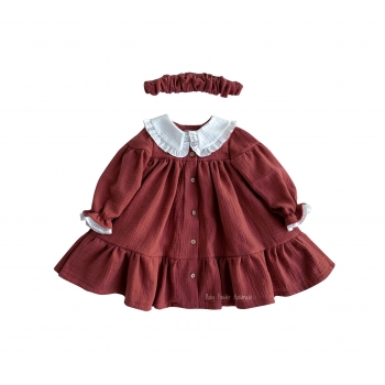 Muslin dress with a collar and buttons