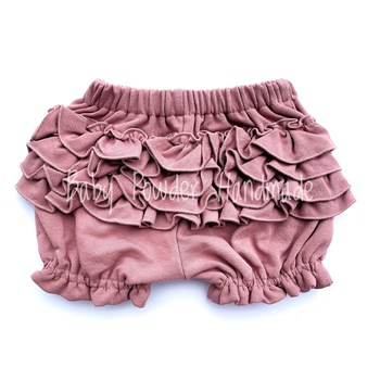 Shorts with frills on the bottom