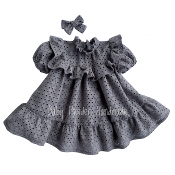 Openwork dress with a frill in a square